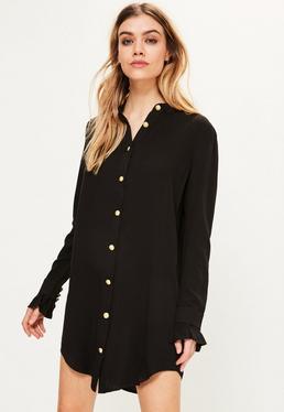 Robe-chemise noire volantée avec boutons dorés