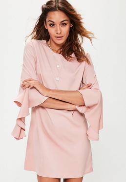 Vestido recto con manga con volantes en rosa