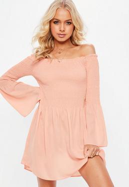 Vestido bardot con vuelo en rosa