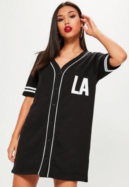 Weites Kurzarm Sport-Hemdkleid mit LA-Aufdruck in Schwarz