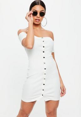 Kremowa prążkowana sukienka bardot zapinana na zatrzaski