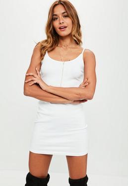 Robe courte blanche côtelée bretelles fines