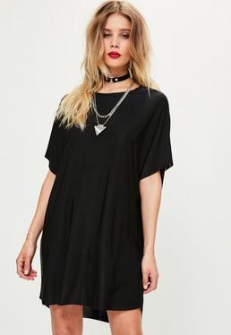 Czarna owersajzowa sukienka z przedłużonym tyłem