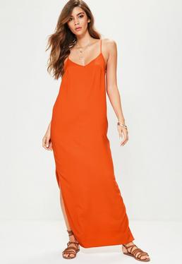 Vestido largo de tirantes con espalda baja en naranja