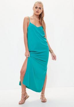 Niebieska luźna sukienka maxi z wyciętymi plecami