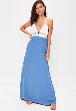 Robe longue bleue en crochet