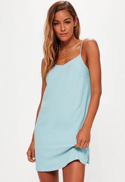 Niebieska luźna sukienka na ramiączkach