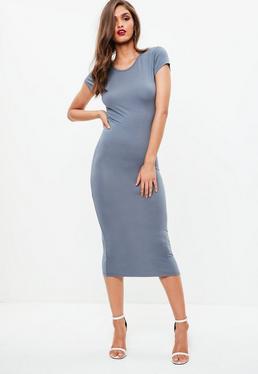 Vestido midi ajustado con manga corta en azul