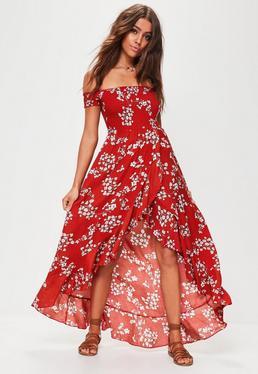 Robe longue rouge à imprimé fleuri et froufrous