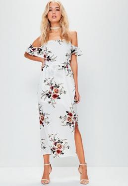 Biała sukienka maxi bardot z rozcięciem i falbankami na rękawkach