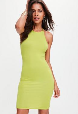 Zielona dopasowana elastyczna sukienka na ramiączkach