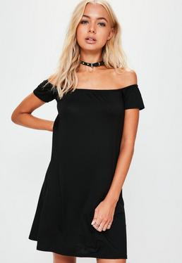 Schulterfreies Kleid in Schwarz