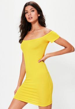 Vestido corto ajustado bardot de manga corta en amarillo