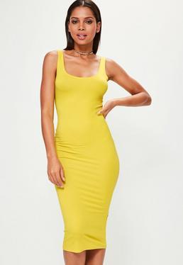 Vestido midi ajustado con escote redondo en amarillo