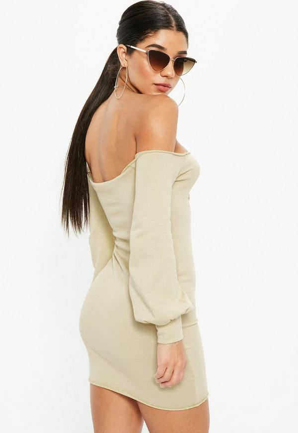 Schulterfreies pullover kleid