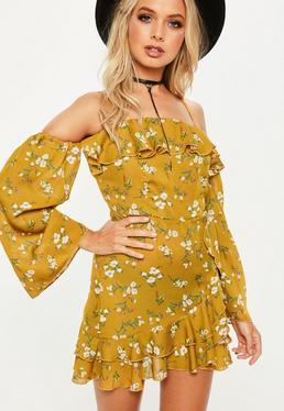 Żółta zawijana sukienka bardot