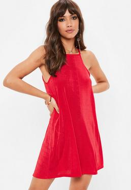 Czerwona rozkloszowana sukienka racer