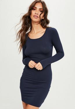 Vestido corto ajustado de manga larga en azul marino