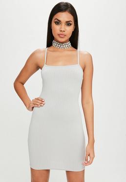 Carli Bybel x Missguided Niebieska prążkowana sukienka na ramiączkach