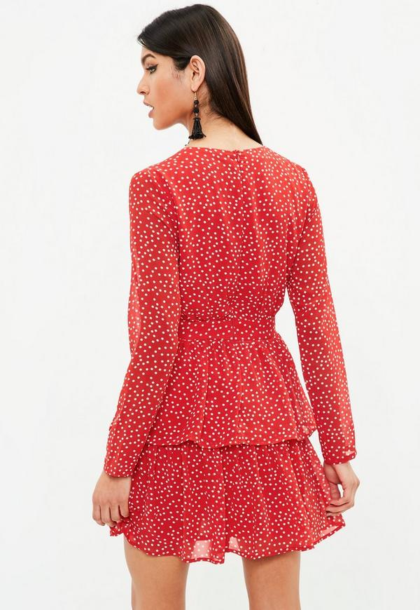 Oct 03, · A polka dot dress in black, navy, white, beige, gray, or tan looks great with bright accessories. The repetitive pattern of polka dots can make accessories blend in. Wearing accessories in bright colors makes them stand out%(80).