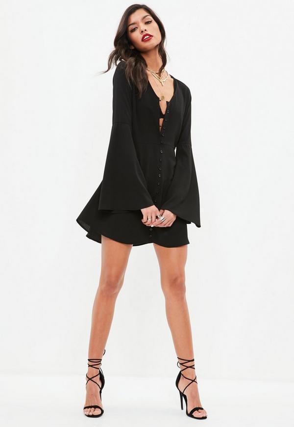 geknöpftes kleid mit ausgestellten Ärmeln in schwarz