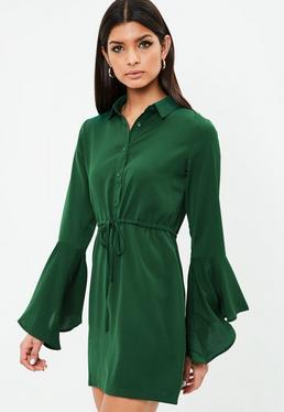 Vestido camisero con manga larga de volantes en verde