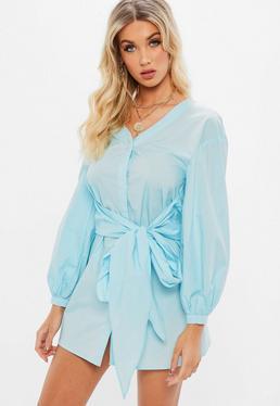 Niebieska koszulowa sukienka z wiązaniem w pasie
