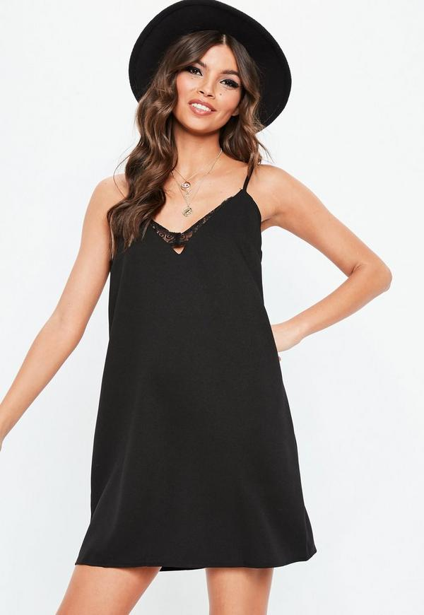 Schwarzes minikleid mit spitze