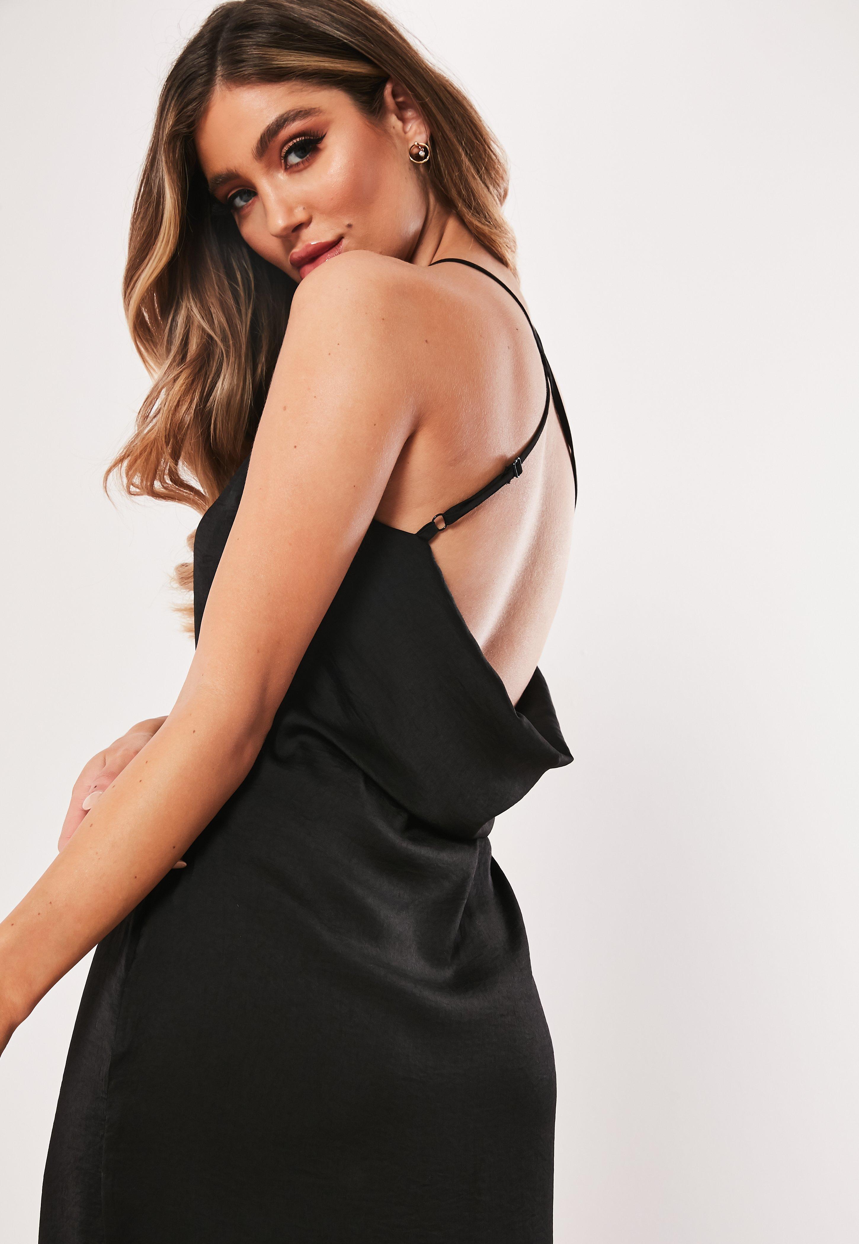 Czarna satynowa sukienka midaxi na ramiączkach