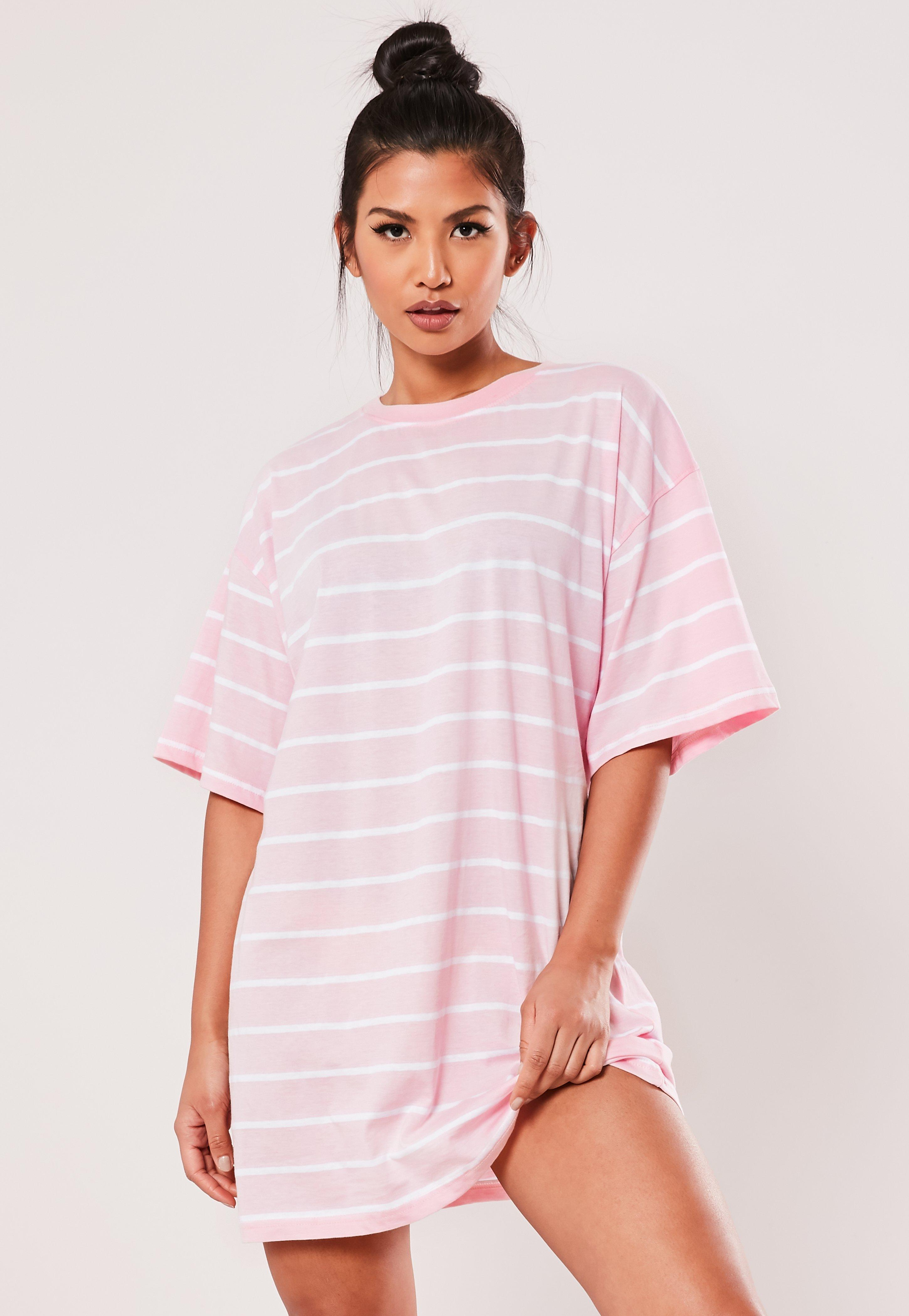 da74fbd6f0157 T Shirt Dresses | Printed & Slogan T-Shirt Dresses - Missguided