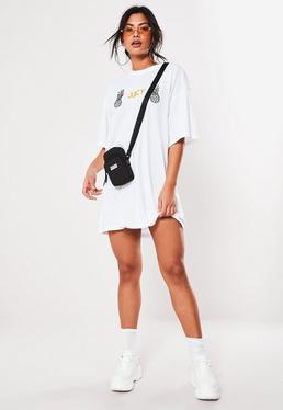 cefce3571b ... Vestido camiseta con piñas bordadas en blanco