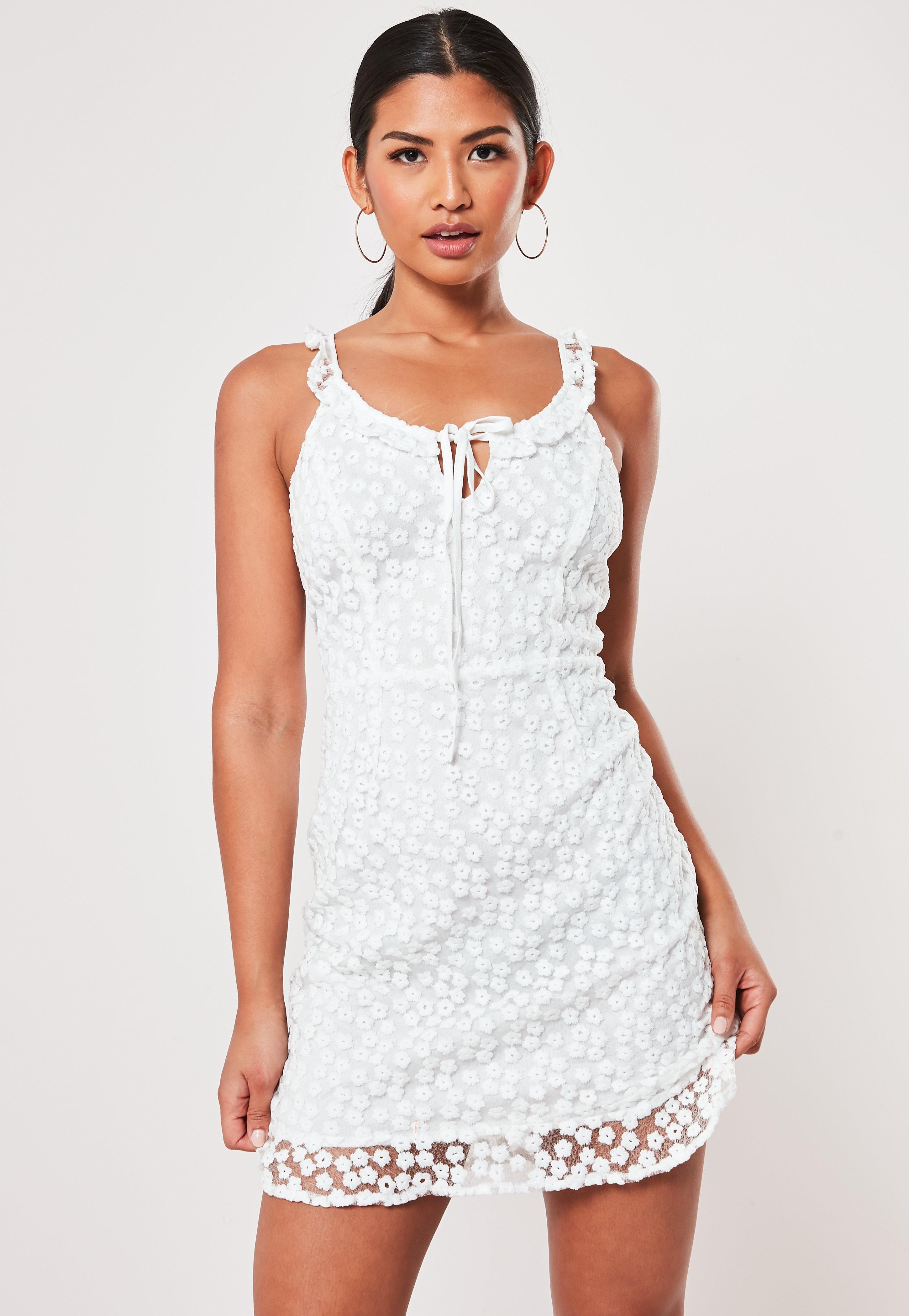 94d02cd2 Embellished Dresses - Glitter & Beaded Dresses | Missguided