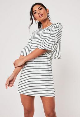Белое полосатое платье-рубашка с оборкой