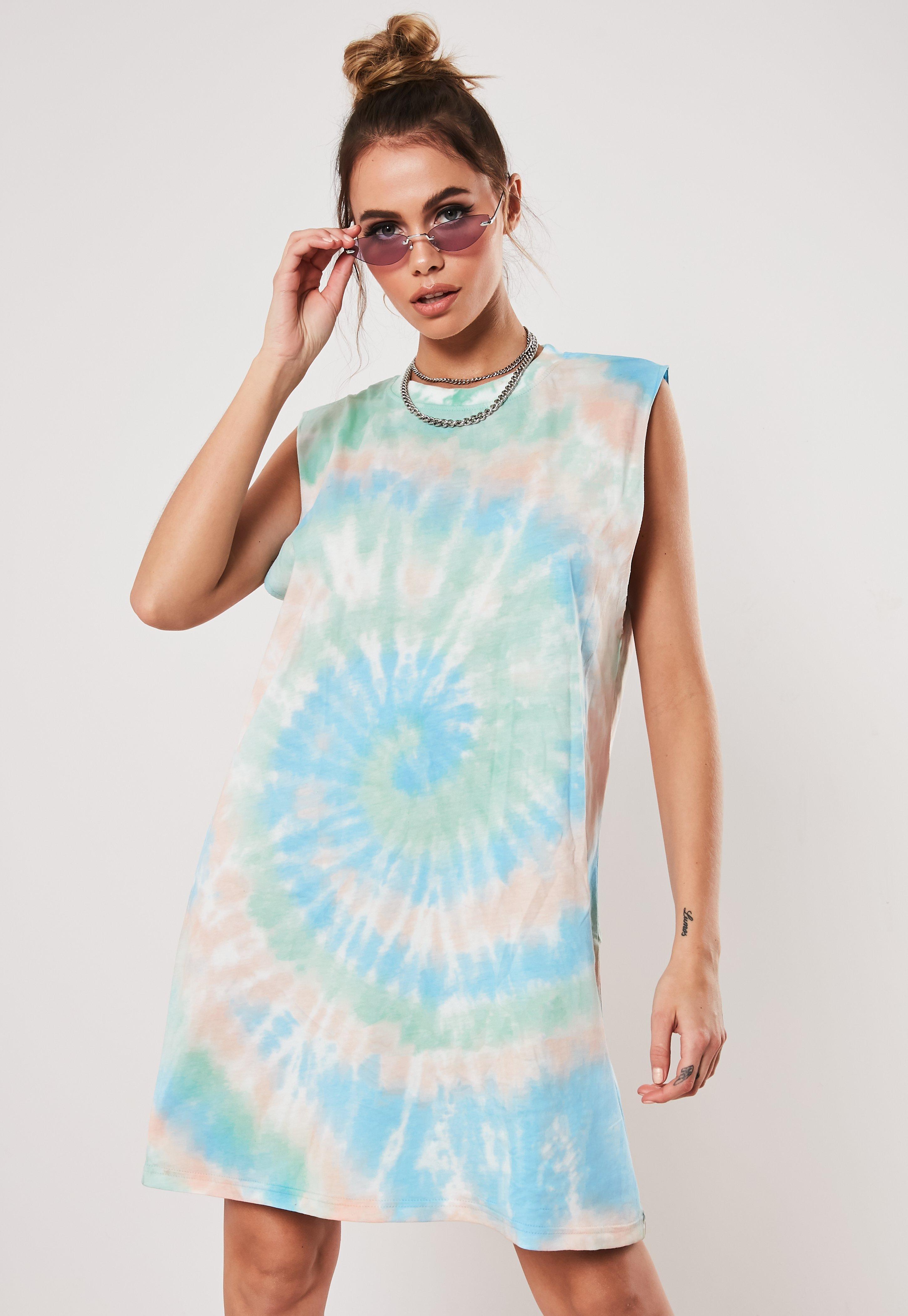 01b54a8e4c0f6 T-Shirt Dresses | Printed & Slogan Dresses - Missguided