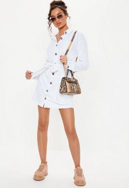 Свободное платье-рубашка из белого джерси с завышенной талией