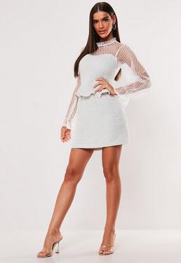 Белое мини-платье из твида с сетчатым рукавом
