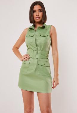 Зеленое платье без рукавов с поясом