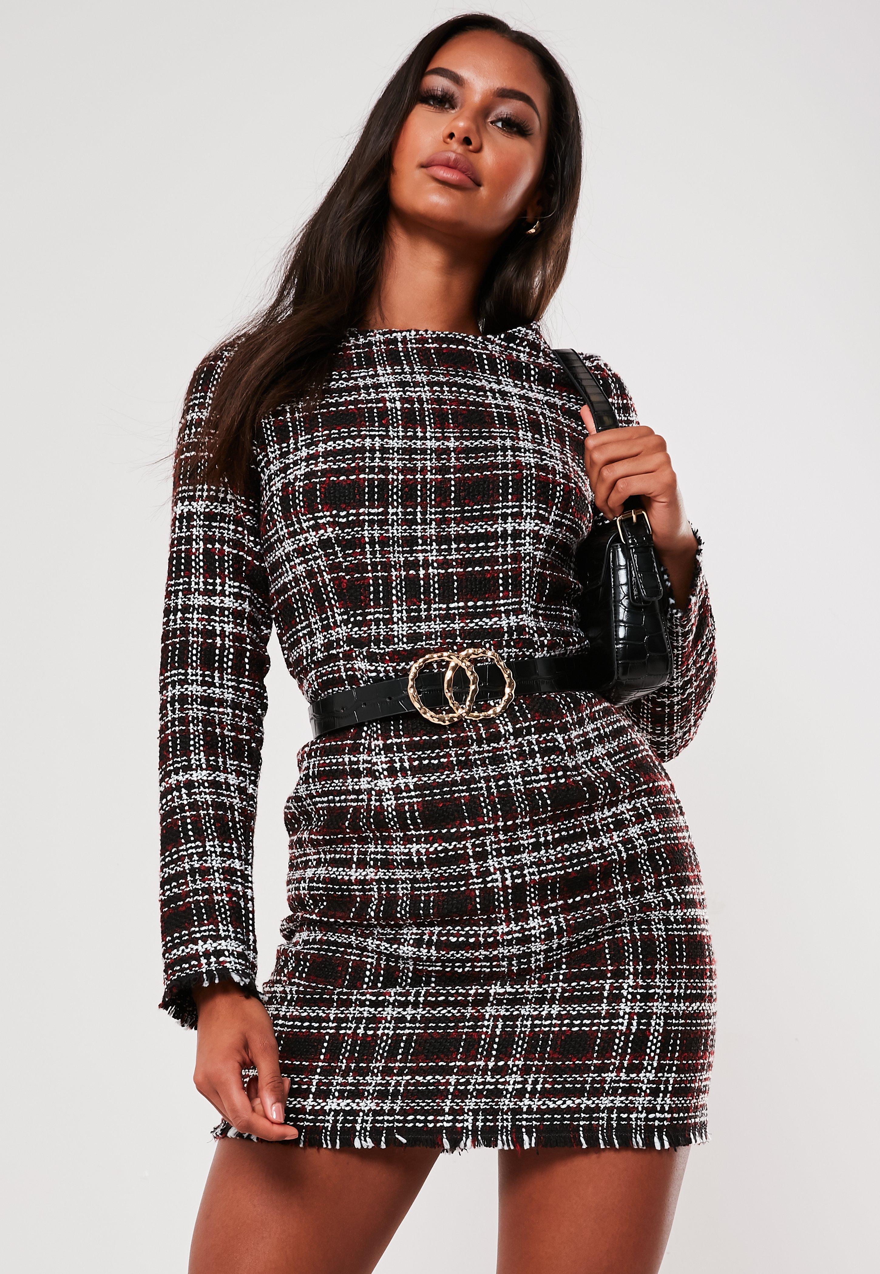 Kurzes Tweed Etuikleid mit Karomuster, ausgefranstem Saum und  Reißverschluss am Rücken in Schwarz
