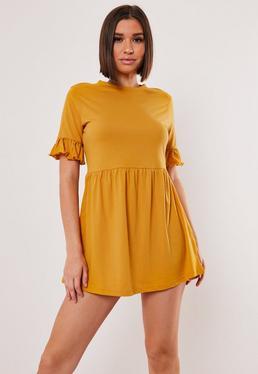 Горчичное платье из джерси с оборкой