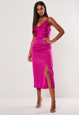 Розовое атласное платье миди с пуговицами сбоку