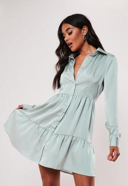 Зеленое атласное платье на пуговицах спереди
