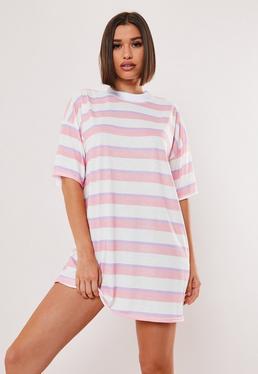 Свободное платье-футболка с короткими рукавами и розовой полоской