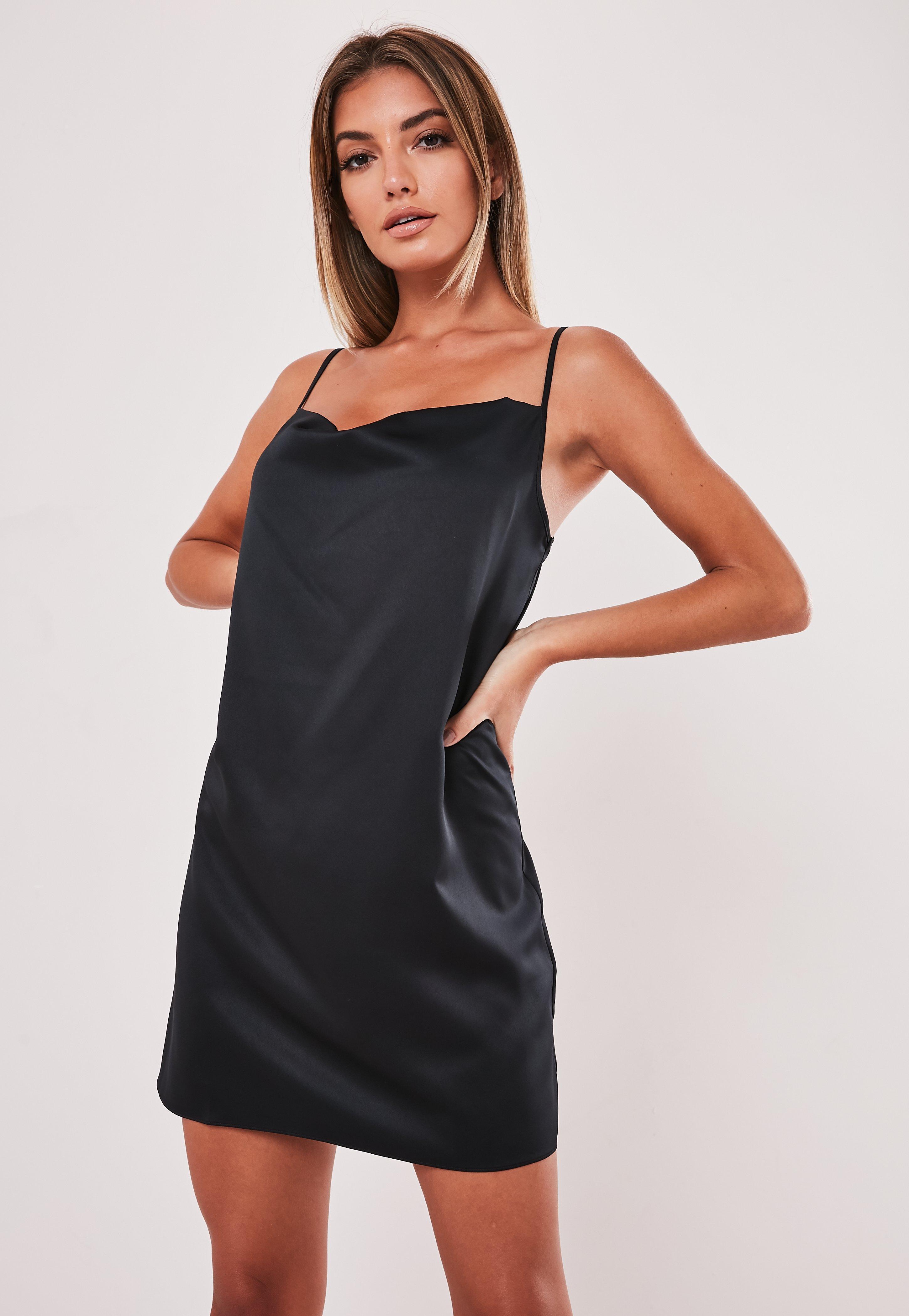 Missguided Czarna satynowa sukienka mini