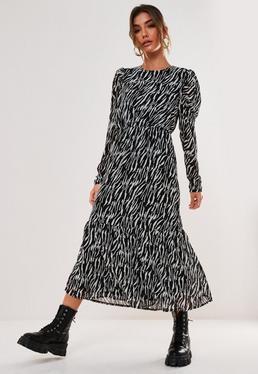 Czarna sukienka midi w zebrowy wzór z d?ugimi r?kawami