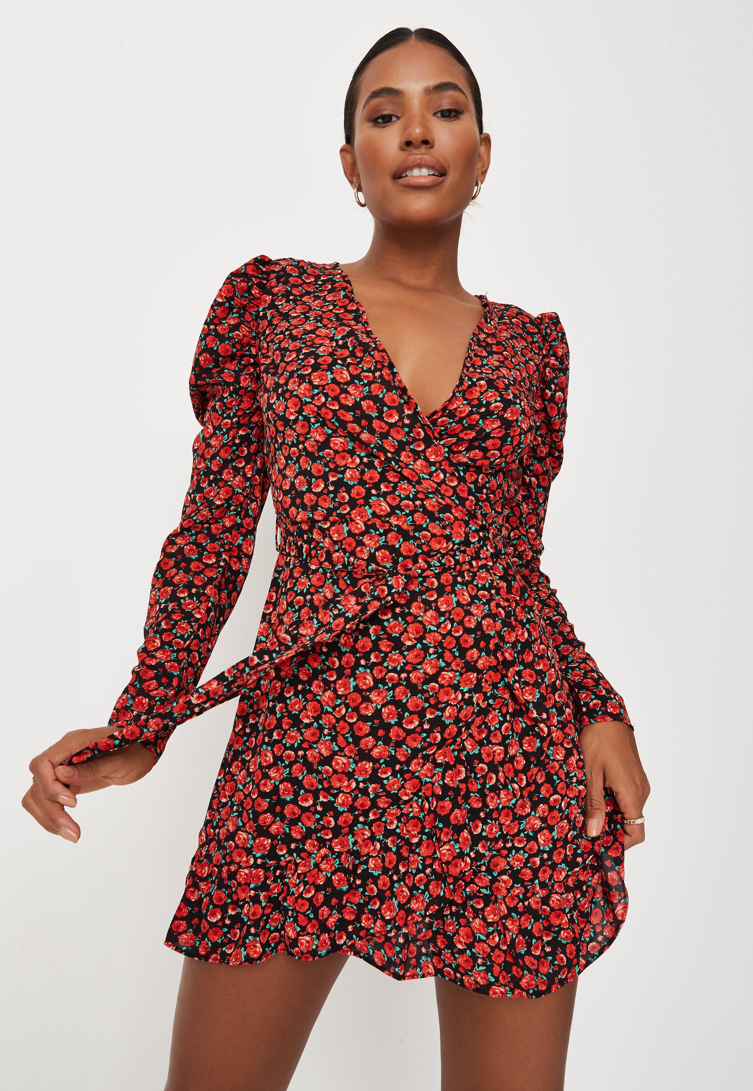 Czarna Zawijana Sukienka Mini W Czerwone Kwiatki Z Dlugimi Rekawami Missguided