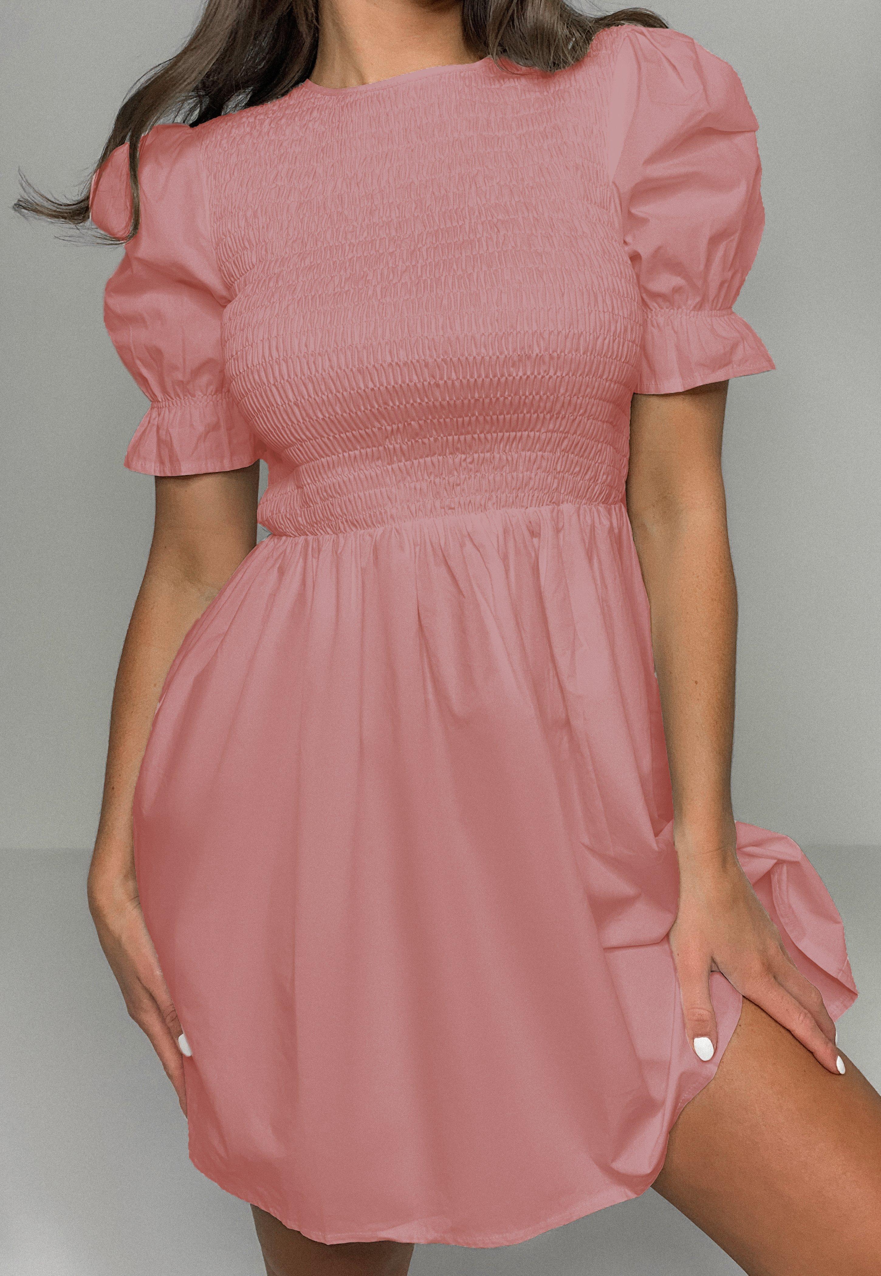 Gesmoktes Kleid mit gerüschten Ärmeln in Rosa
