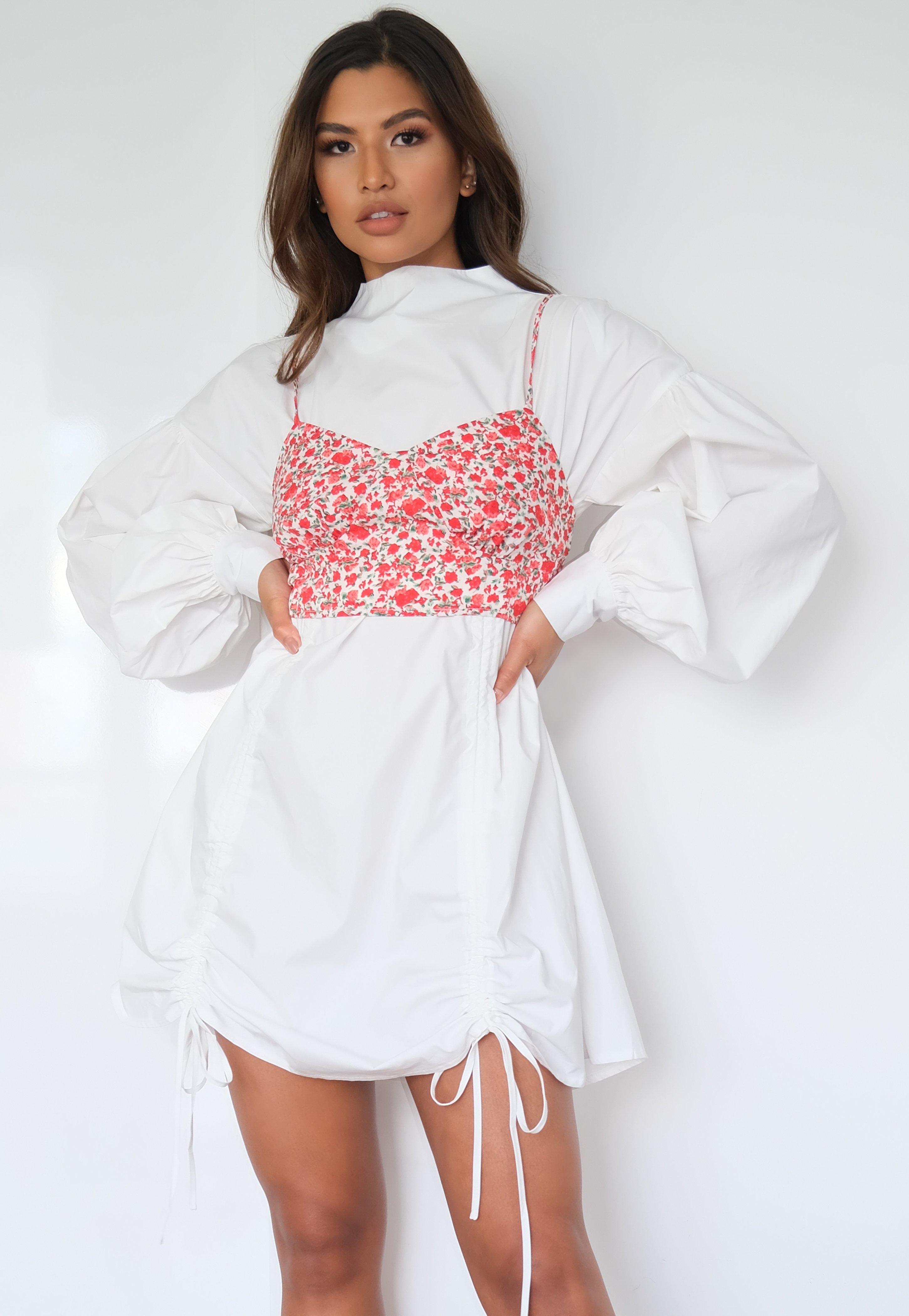 Hochgeschlossenes Minikleid mit Bralette mit Blumenmuster in Weiß