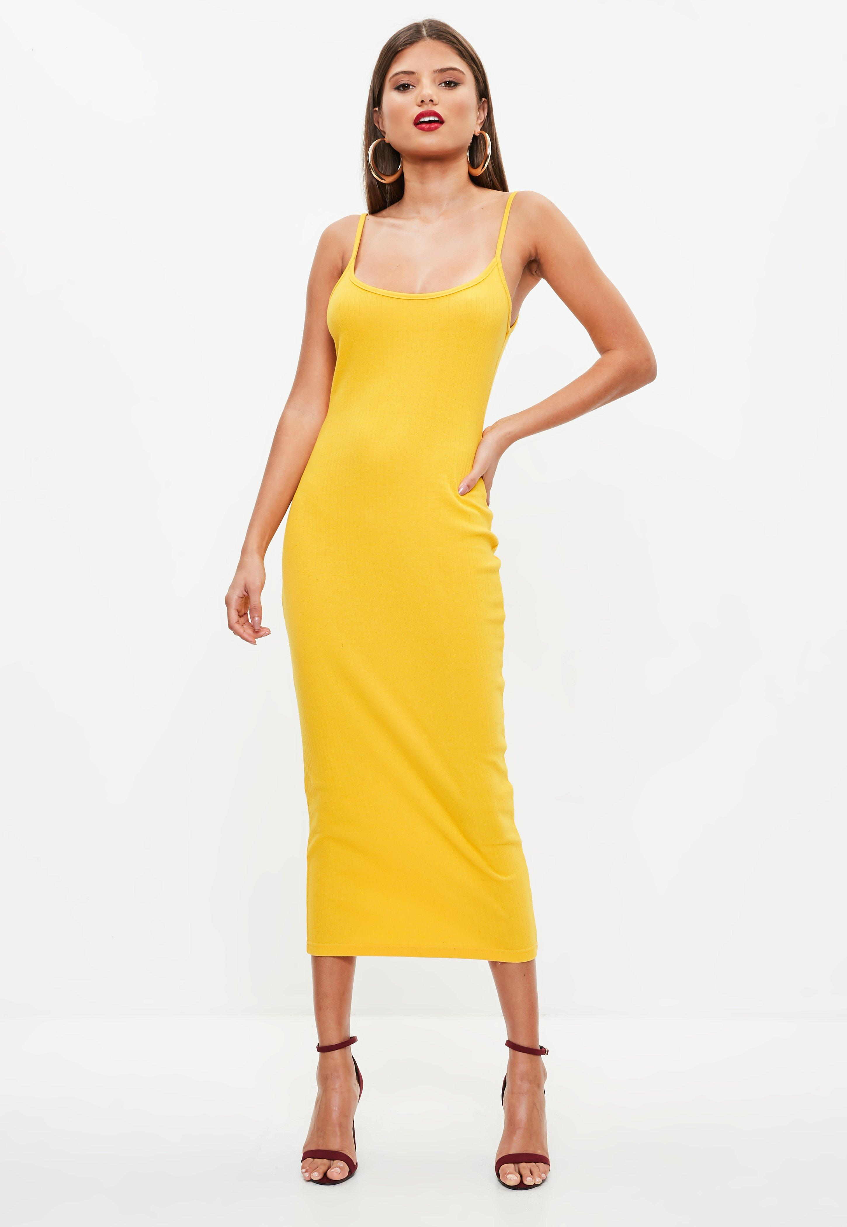 Jenifer bartoli en robe jaune