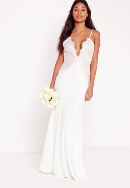 Robe de mariée longue blanche en dentelle festonnée