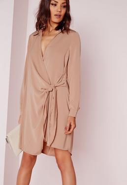 Beżowa sukienka koszulowa wiązana po boku